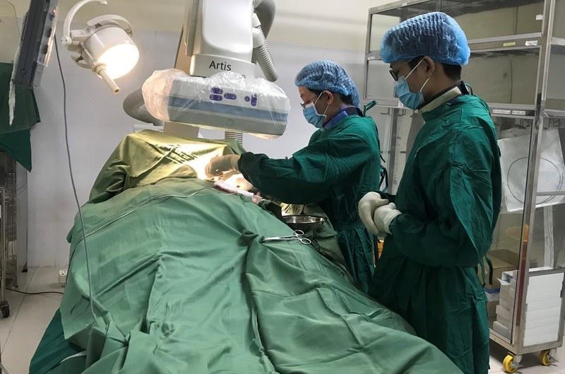 Lần đầu đặt máy tạo nhịp tim vĩnh viễn cho bệnh nhân
