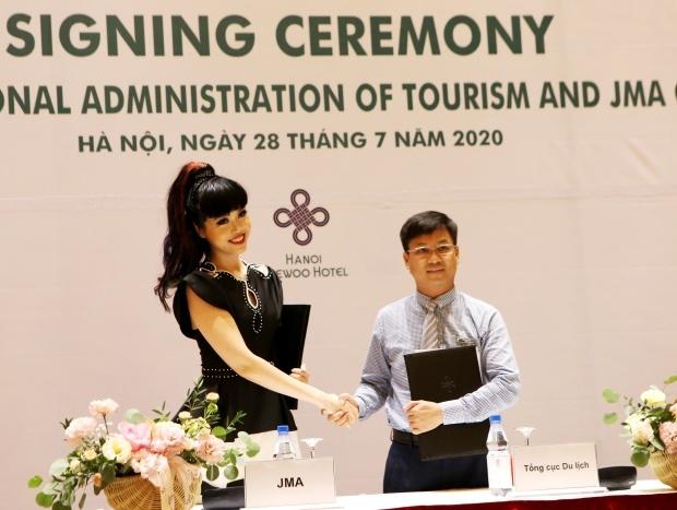 Siêu mẫu quốc tế làm truyền hình thực tế giúp quảng bá du lịch Việt Nam