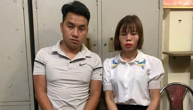 bat giu hai doi tuong van chuyen trai phep 32 banh heroin