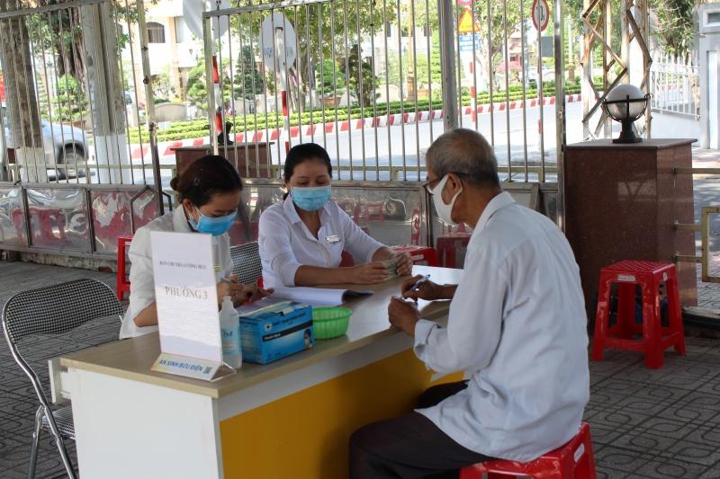 BHXH Việt Nam chỉ đạo công tác chi trả lương hưu, trợ cấp BHXH tháng 8, 9/2020
