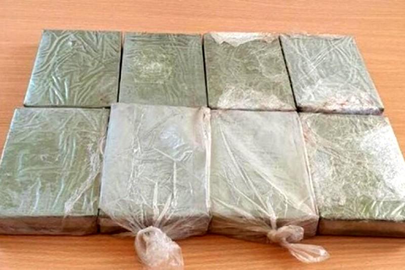 Bắt hai đối tượng vận chuyển 8 bánh heroin
