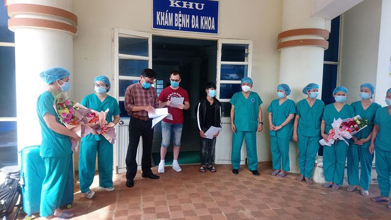 Hai bệnh nhân ở Quảng Ngãi được công bố khỏi bệnh