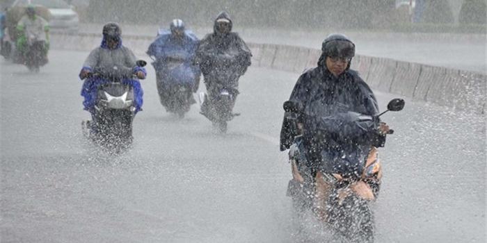 Bắc Bộ và Thanh Hóa có nơi mưa rất to, rải rác có dông, kèm thời tiết nguy hiểm