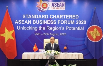 thu tuong du dien dan kinh doanh asean standard chartered 2020
