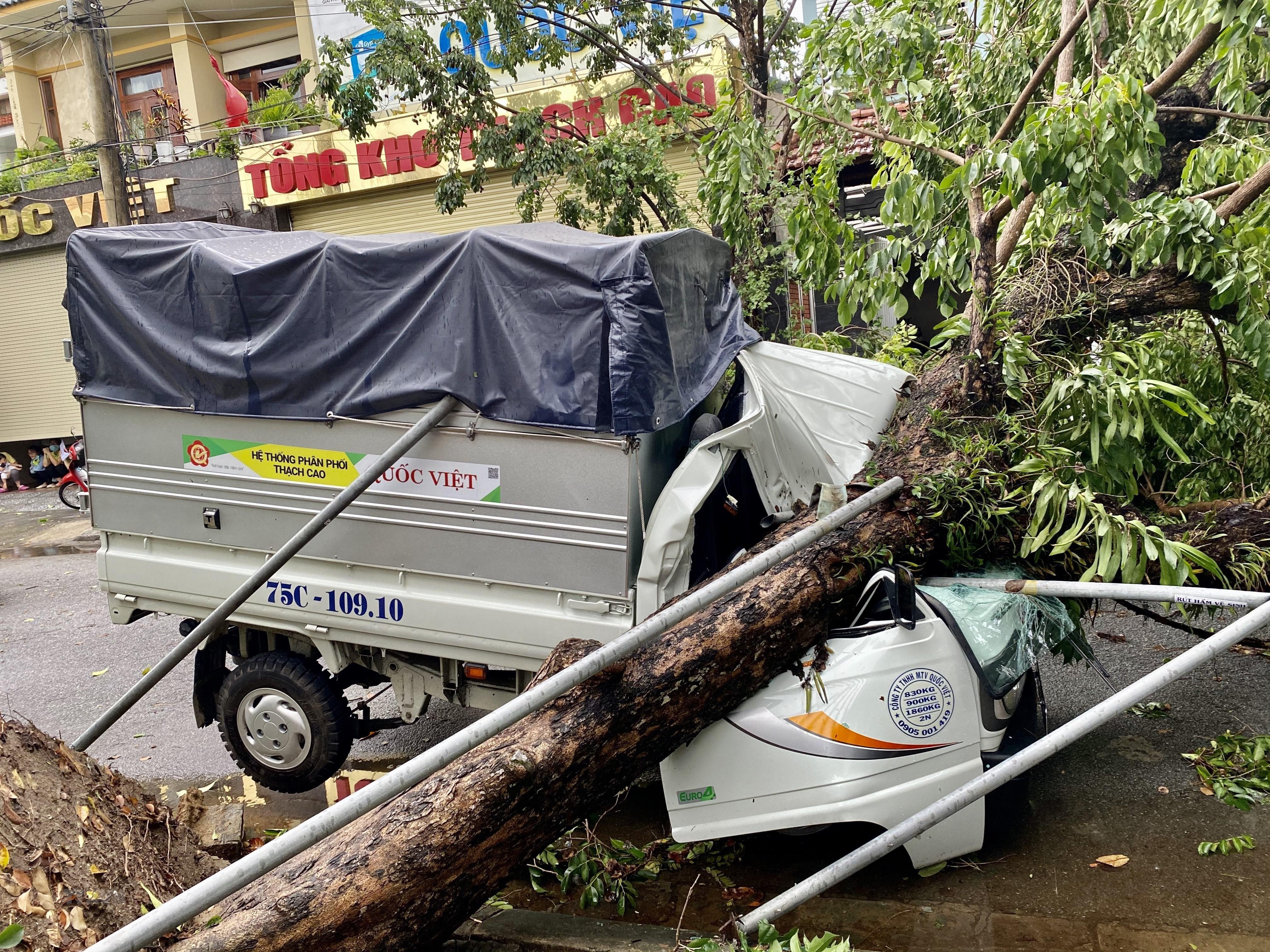 Bão số 5 đã suy yếu thành áp thấp nhiệt đới; cần chú ý khi neo đậu tàu thuyền