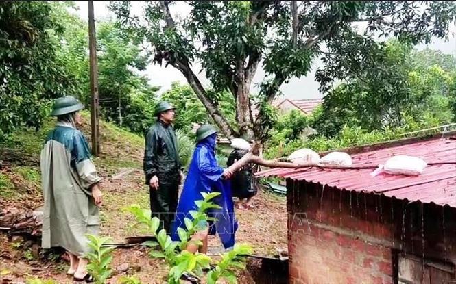 Tỉnh Quảng Bình có 2 người bị thương nặng do sự cố trong cơn bão