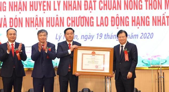 Phó Thủ tướng Trịnh Đình Dũng dự Lễ công bố huyện Lý Nhân đạt chuẩn nông thôn mới