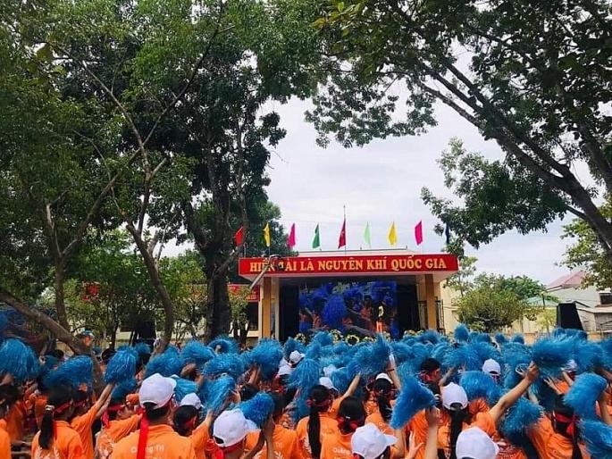 tham hau phuong cua nguoi mang cau truyen hinh chung ket olympia nam ve quang tri