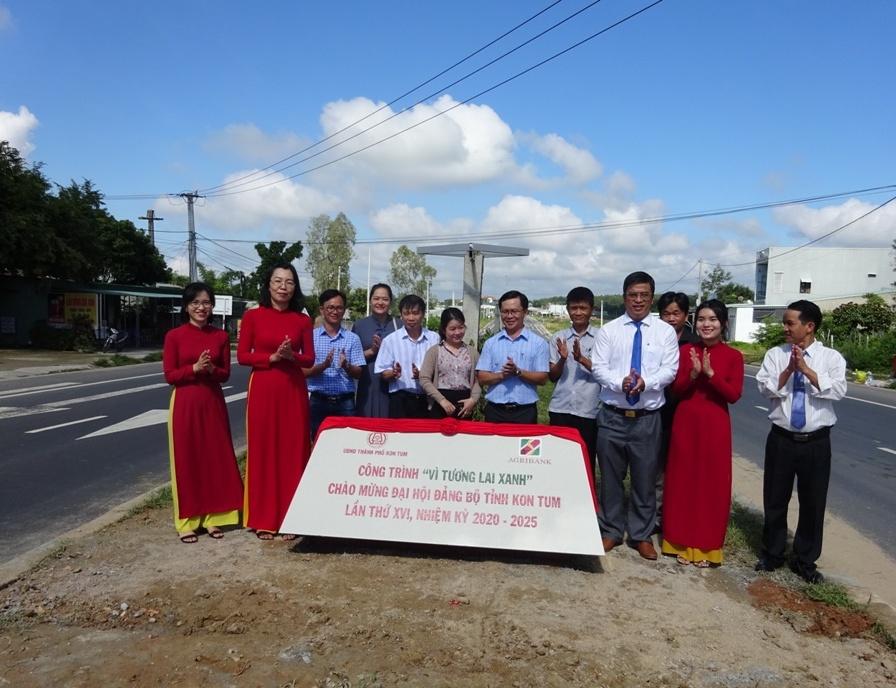 Khánh thành, gắn biển nhiều công trình chào mừng Đại hội Đảng bộ tỉnh Kon Tum