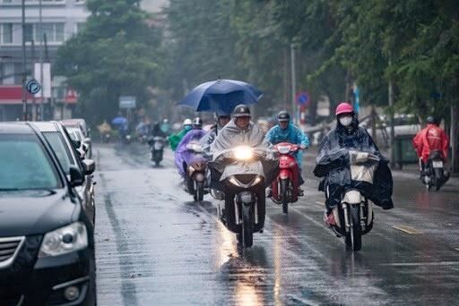 Các tỉnh Bắc Bộ ngày nắng gián đoạn, chiều tối mưa dông, vùng núi đề phòng sạt lở đất