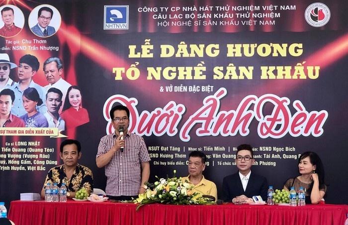 """Trình diễn lại vở kịch """"Dưới ánh đèn"""" chào mừng Ngày Sân khấu Việt Nam"""