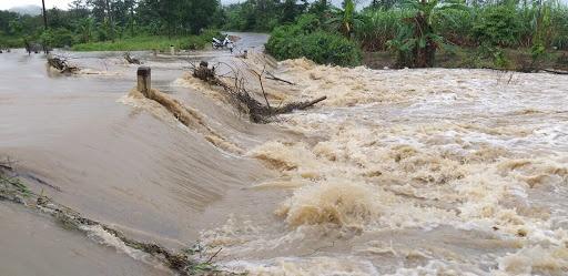 Cảnh báo lốc xoáy trên biển, mưa to tại Tây Nguyên và Nam Bộ, lũ trên các sông Bắc Bộ