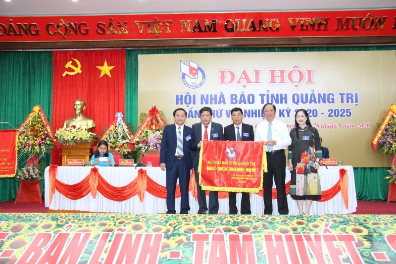 Nhà báo Trương Đức Minh Tứ tái đắc cử Chủ tịch Hội nhà báo tỉnh Quảng Trị