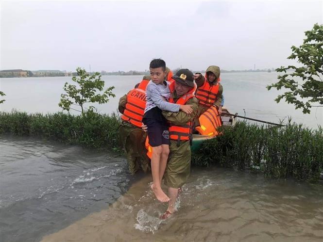 Thủ tướng Chính phủ quyết định xuất cấp 5.000 tấn gạo hỗ trợ nhân dân miền Trung Trung