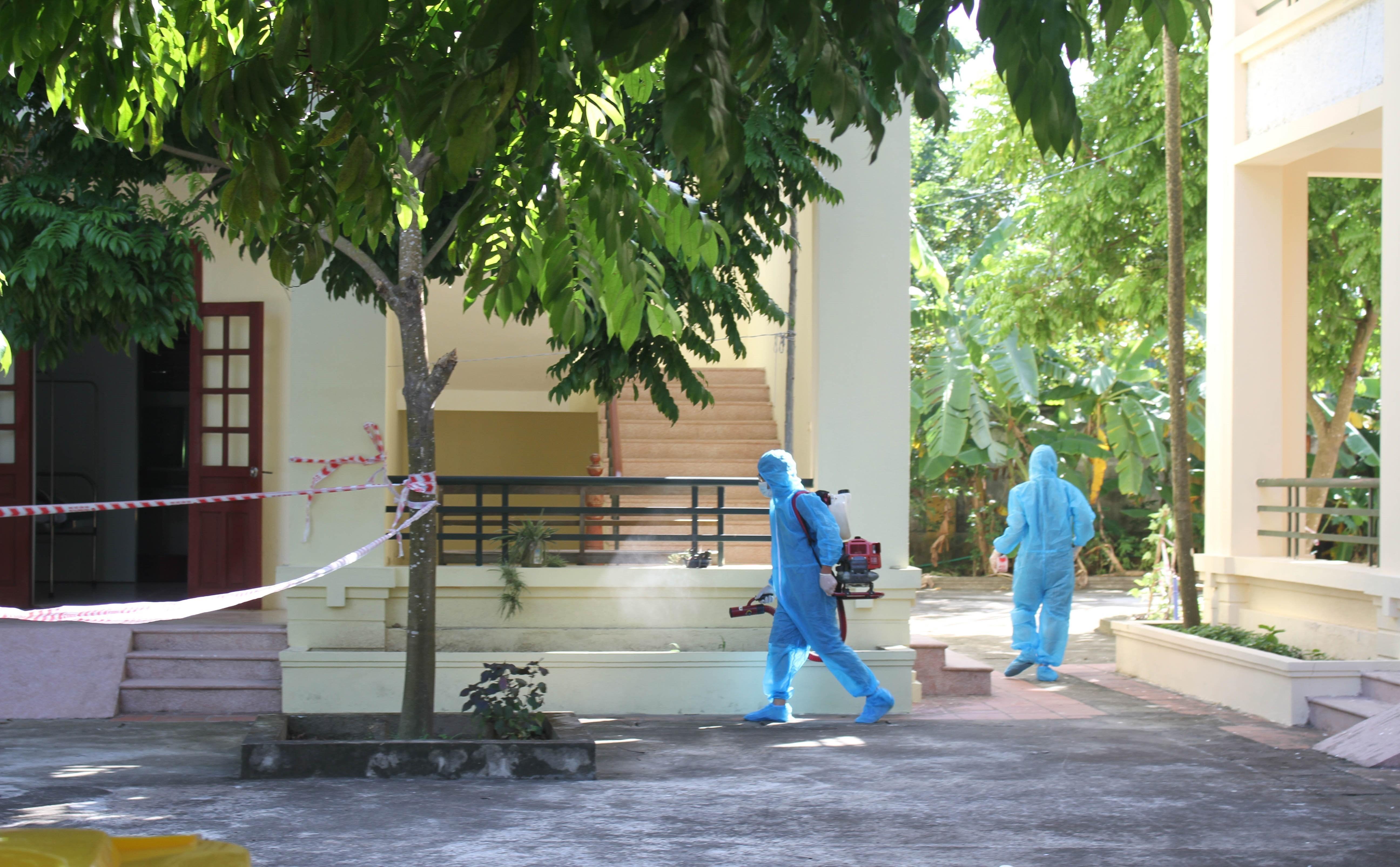 Cơ sở y tế tuyến huyện tại Ninh Bình tiếp nhận, điều trị thêm 4 trường hợp mắc COVID-19