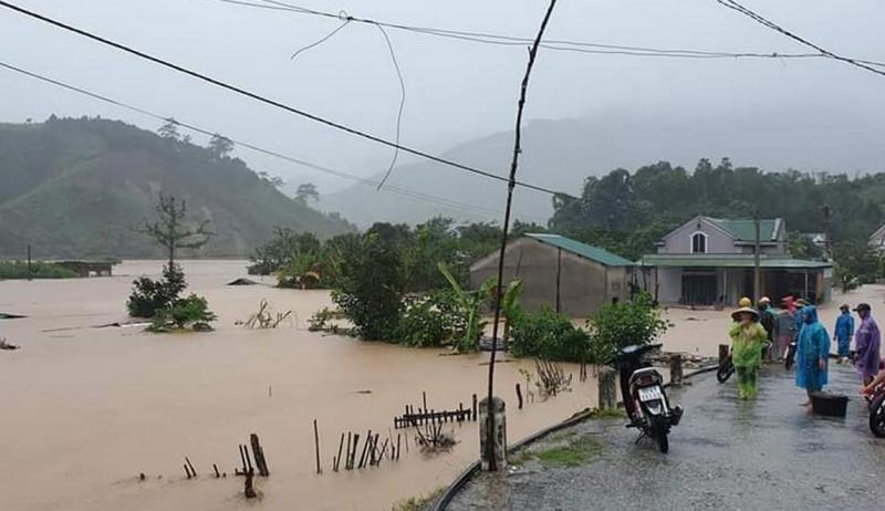Kon Tum kịp thời di dời hàng trăm hộ dân ra khỏi vùng nguy hiểm