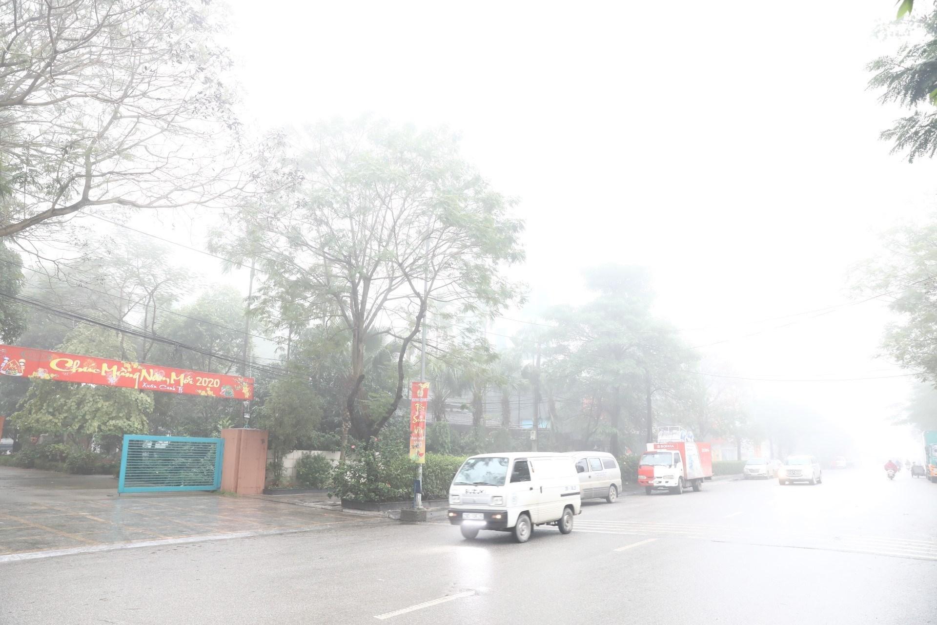 Bắc Bộ trời lạnh, Trung Bộ tiếp tục có mưa