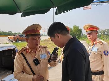 tong kiem soat xe o to kinh doanh van tai hanh khach hang hoa tren cac tuyen cao toc