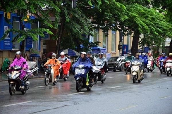 Tây Nguyên và Nam Bộ mưa dông, cảnh báo khả năng xảy ra lốc, sét và gió giật mạnh