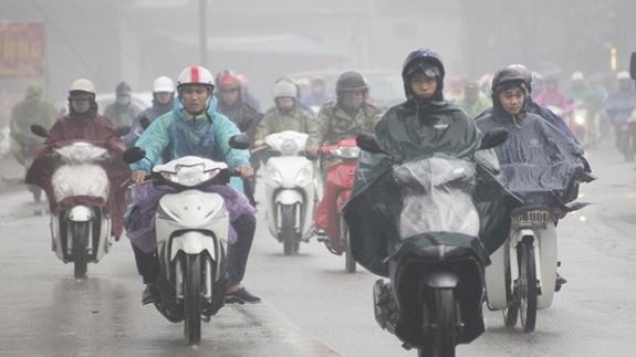 Bắc Bộ và Trung Bộ mưa dông, trời rét