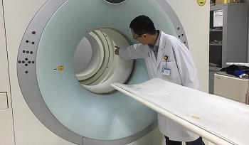 Bệnh viện Đa khoa tỉnh Khánh Hòa: Máy xạ trị bị hỏng gây khó khăn trong điều trị ung thư