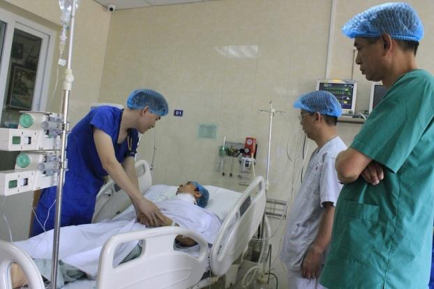 Bệnh viện II Lâm Đồng cứu sống 2 vợ chồng có vết thương nghiêm trọng ở cổ