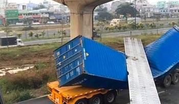 vu xe container keo sap dam cau bo hanh chieu cao cau bo hanh khong dat nhu thiet ke