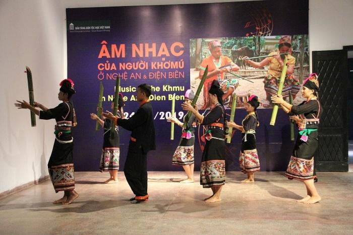 Chương trình âm nhạc đặc sắc của người Khơmú giữa Thủ đô Hà Nội