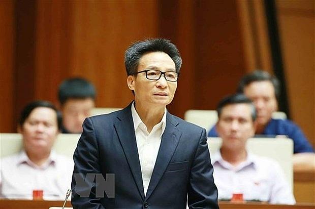ba pho thu tuong chinh phu cung cac tu lenh nganh tra loi chat van truoc quoc hoi