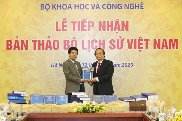 Bộ Khoa học và Công nghệ tiếp nhận bản thảo Bộ lịch sử Việt Nam