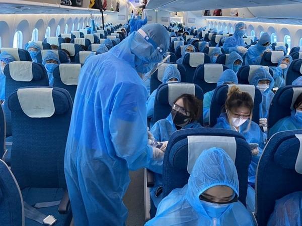 Đưa 290 công dân Việt Nam từ Cộng hòa Séc về nước