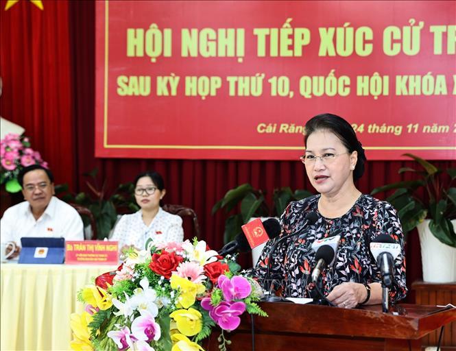 Chủ tịch Quốc hội Nguyễn Thị Kim Ngân tiếp xúc cử tri quận Cái Răng, Cần Thơ