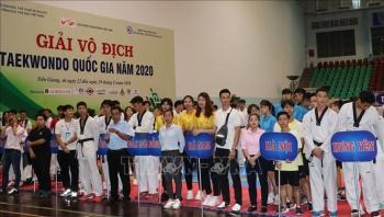 khai mac giai vo dich taekwondo quoc gia 2020