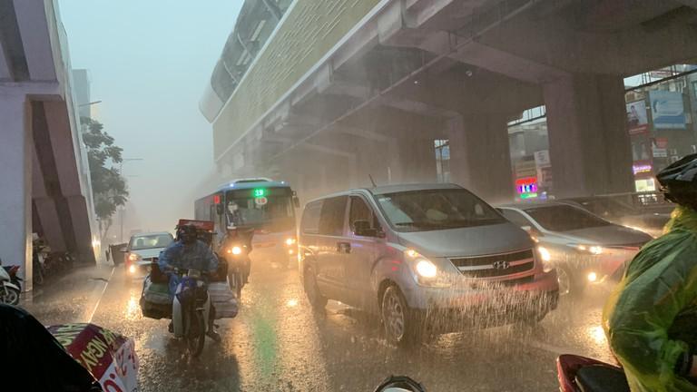 Đêm 28 và ngày 29/11, Bắc Bộ và Trung Bộ tiếp tục mưa rét
