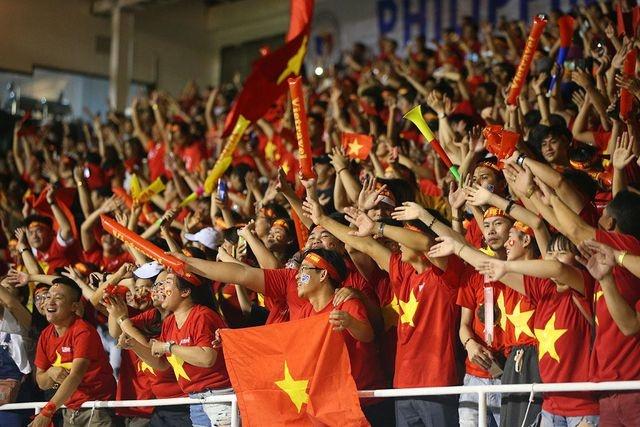 """Hà Nội: """"Sốt"""" tour cổ vũ đội tuyển bóng đá nam tại SEA Games 30"""