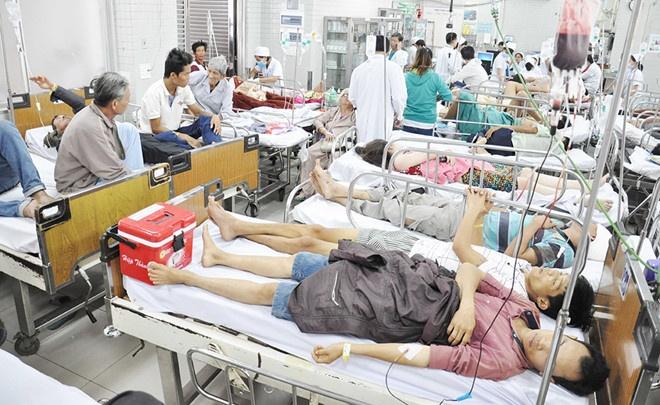 Bệnh viện quá tải do bệnh theo thời tiết tăng cao