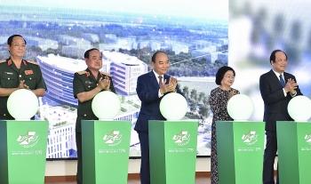 75 năm QĐND Việt Nam: Thủ tướng Nguyễn Xuân Phúc thăm Bệnh viện Quân y 175