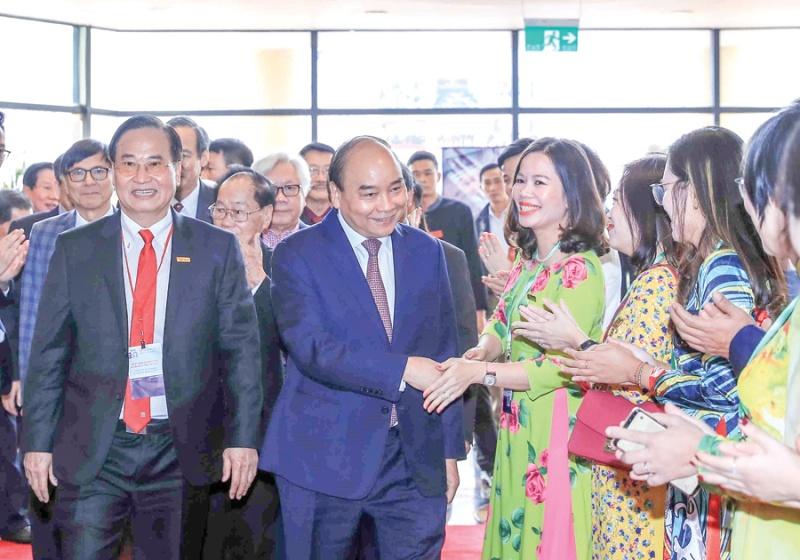 Thủ tướng Nguyễn Xuân Phúc: Ngành Dệt may cần giữ vững vị trí tốp đầu thế giới
