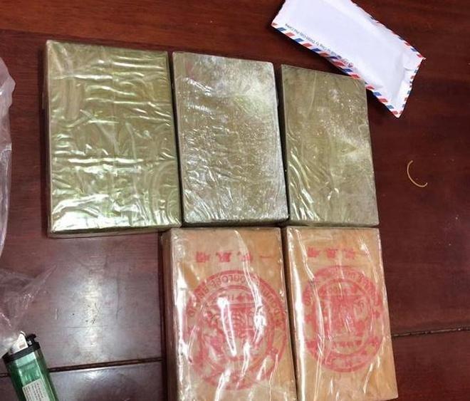 Phá thành công hai chuyên án, thu giữ 5 bánh heroin và gần 1000 viên hồng phiến