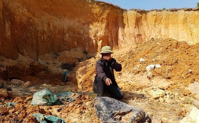 Vụ chôn lấp trái phép chất thải tại huyện Sóc Sơn (Hà Nội): Xác định danh tính đối tượng liên quan