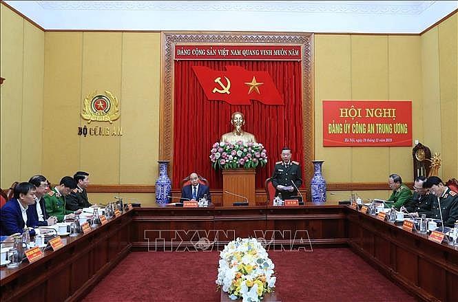 uy vien bo chinh tri thu tuong chinh phu nguyen xuan phuc du hoi nghi dang uy cong an trung uong