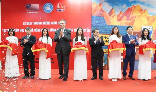 """Khai trương """"Không gian Hoa Kỳ"""" tại Thái Nguyên"""