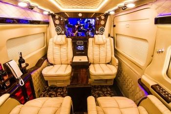 Nở rộ xu hướng xe limousine: Ford Transit Limousine được đánh giá cao