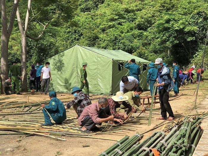 Nghệ An: Công an cùng dân dựng lán trại đón người về từ vùng dịch
