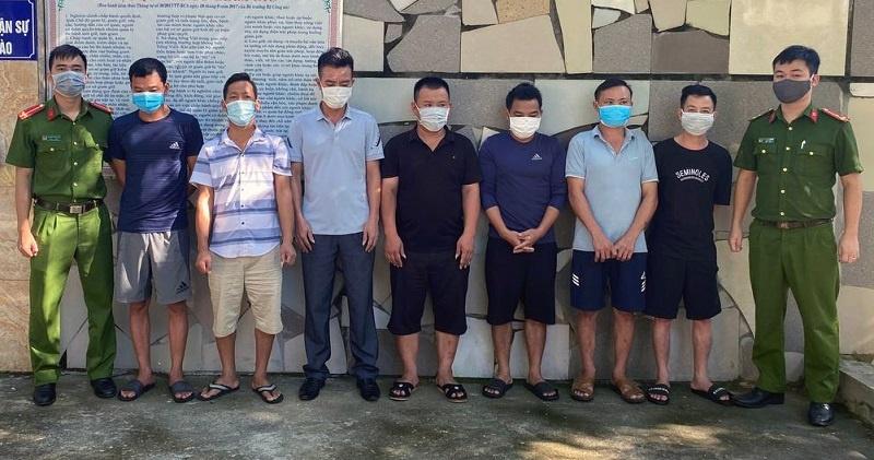 Nghệ An: Bắt quả tang 7 đối tượng đánh bạc trong căn nhà hoang