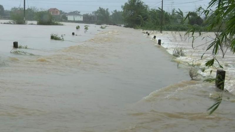 Quảng Bình: Mưa lớn, nước lũ lên nhanh khiến nhiều địa bàn bị chia cắt