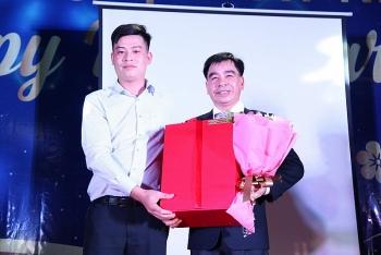 panel phuong nam tang nha cho ho ngheo va cham soc tet cho nguoi lao dong