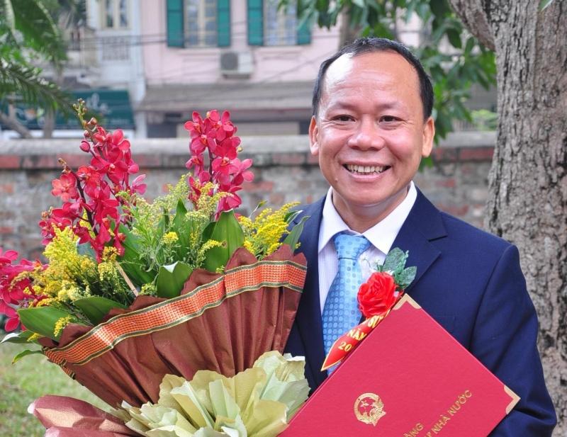 Vì sao hàng trăm Giáo sư, Tiến sĩ đầu ngành trong nước và Quốc tế phản đối việc điều chuyển Viện trưởng Viện Ngôn ngữ học Việt Nam?