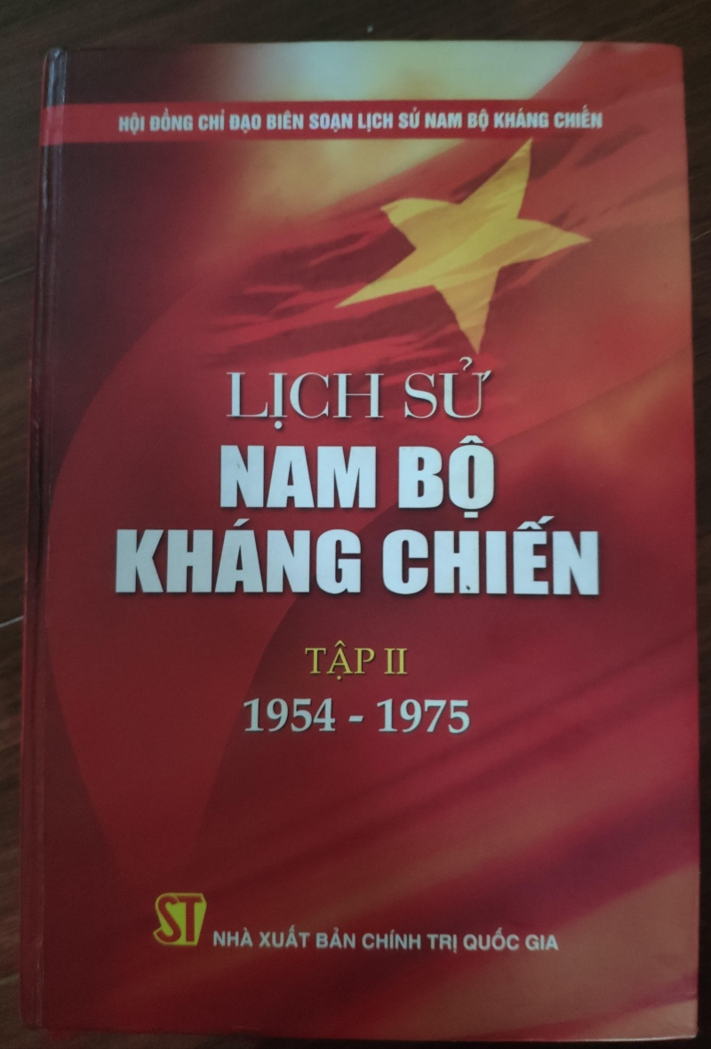 khong le vien lich su quan su khong tuan theo chinh su da duoc nha nuoc cong bo