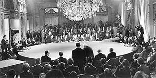 Bàn tròn trong hội nghị bàn tròn